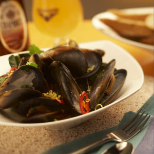 Mussels with beer, garlic and bacon