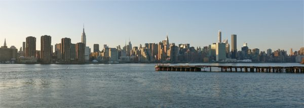 Manhattan skyline seen from Greenpoint, Brooklyn