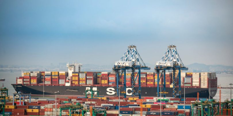 Shipping-Containers-Global-Logistics-management-810x405